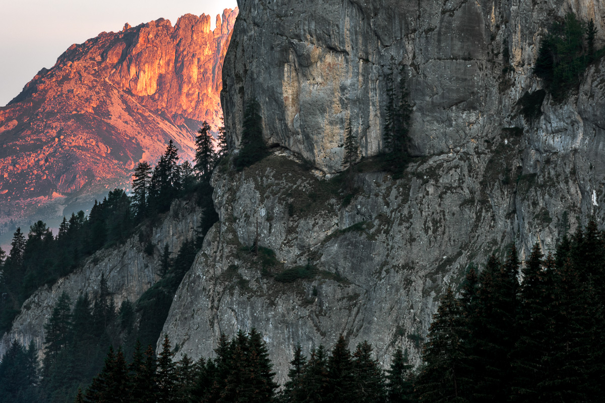 Landskapsfoto dolomiterna. Alpenglow