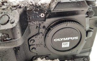 Olympus OMD-E M1X vädertätad stridsvagn.